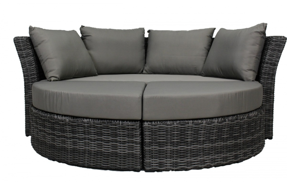loveuse avec auvent pi ce vivre. Black Bedroom Furniture Sets. Home Design Ideas