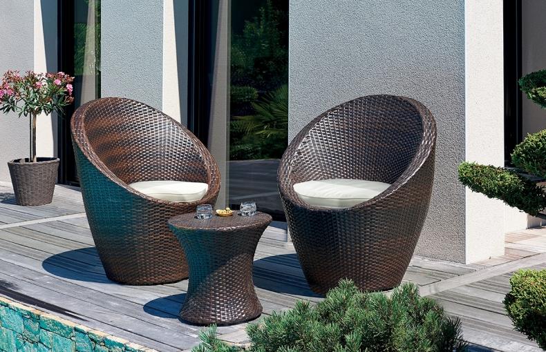 salon de jardin empilable chocolat pi ce vivre. Black Bedroom Furniture Sets. Home Design Ideas